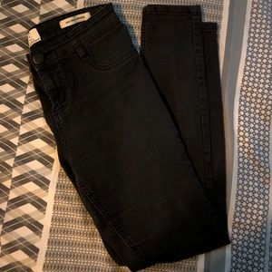 Black mid rise jeggings